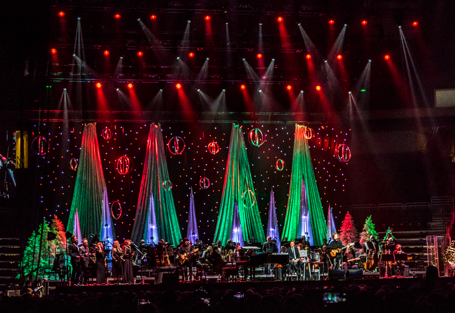 Go Live: Amy Grant & Michael W Smith team up for the Holidays – The ...
